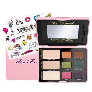 💕 TOO FACED Totally Cute Sticker Eyeshadow 💕